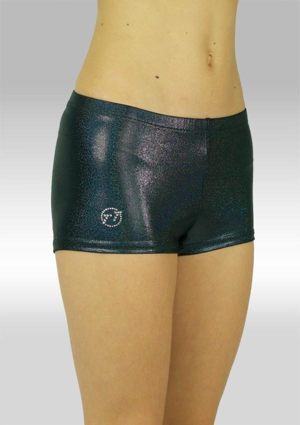 Model; hotpants